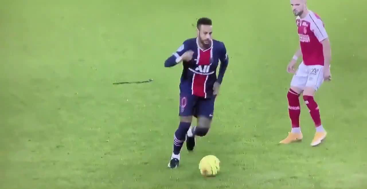 Neymar Jr nice skill against Stade de Reims