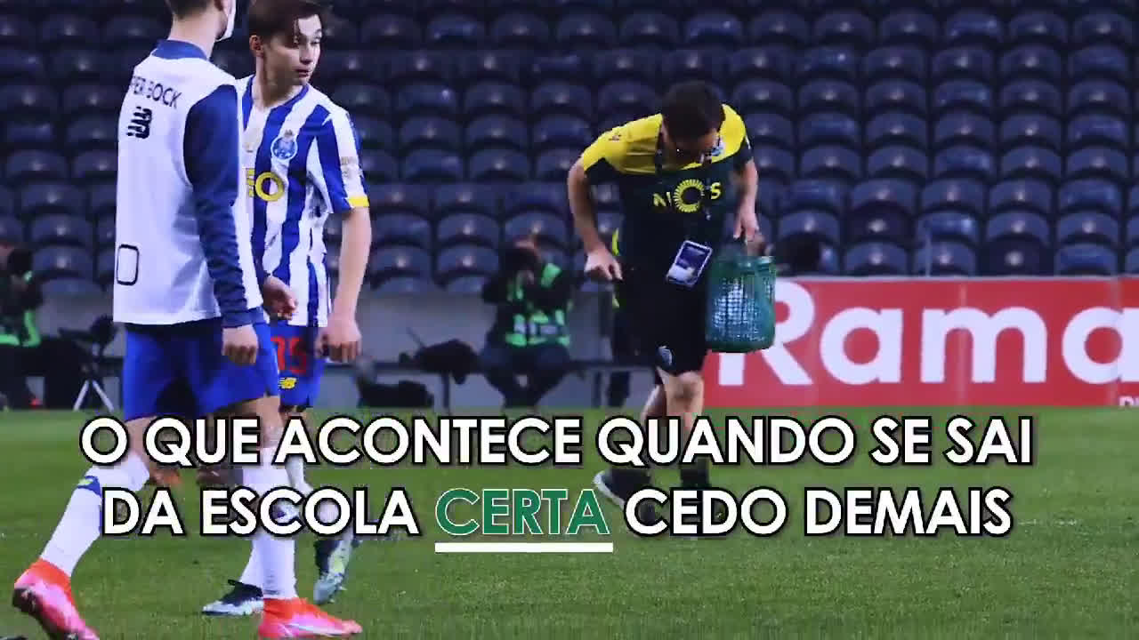 [Video] Francisco Conceição, son of FC Porto headcoach Sergio Conceição, refuses to handshake Pedro Porro after draw against Sporting CP. Instead spits in his direction while walking away.