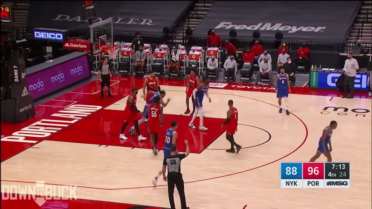 [Highlight] Quickley spots Kanter, decelerates and then accelerates, using Kanter to screen his own man for an open 3