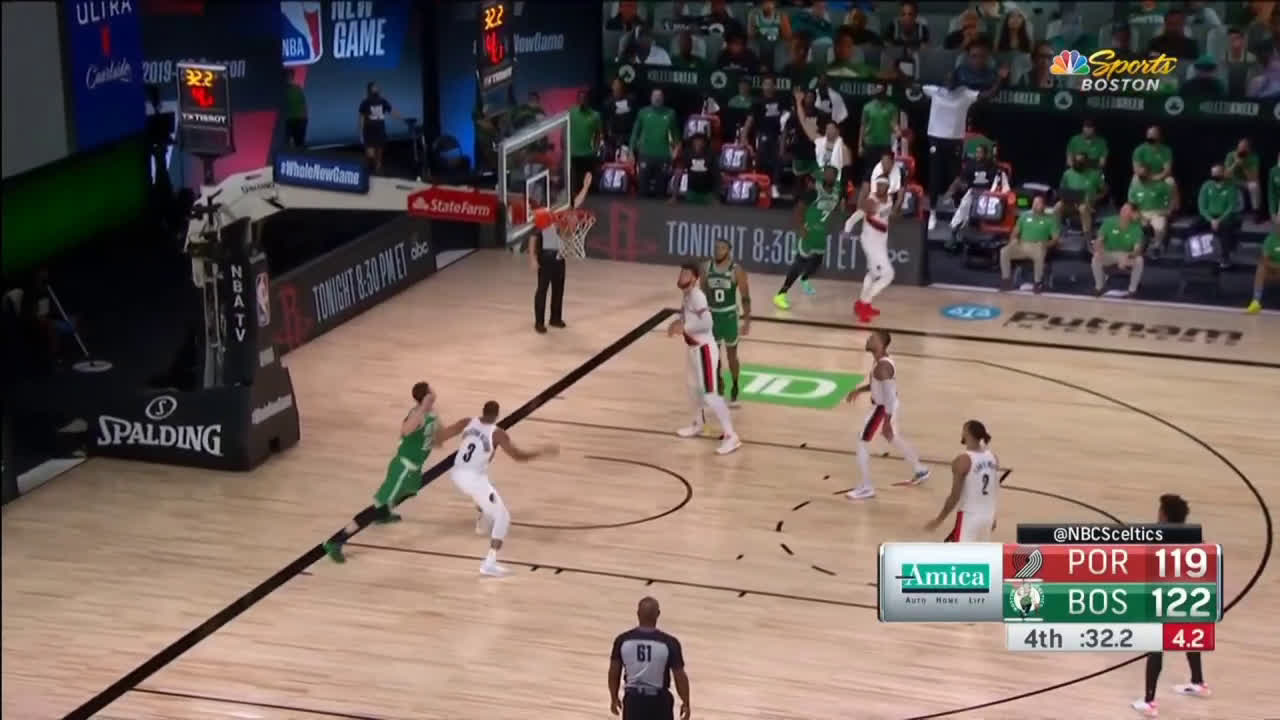 [Highlight] Jaylen Brown makes his 6th three and makes it a two possession game with less than one minute to go in the fourth