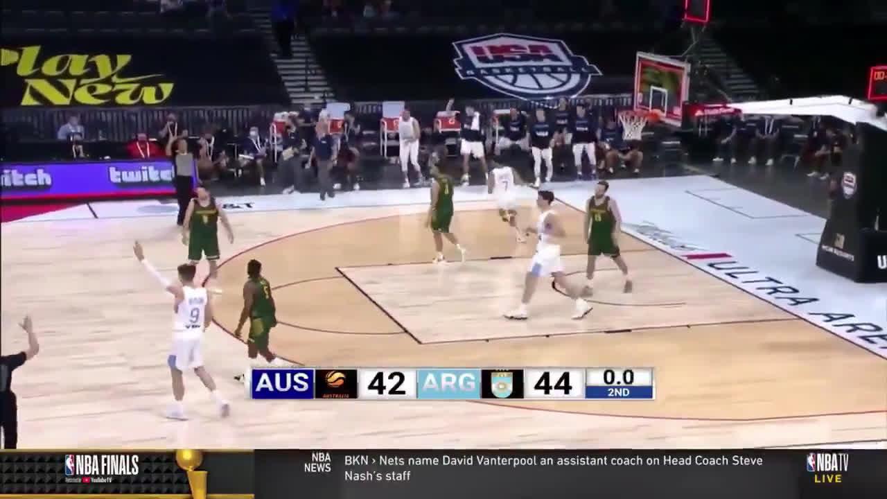 [Highlight] Knicks guard Luca Vildoza with the buzzer beater from halfcourt against Australia!
