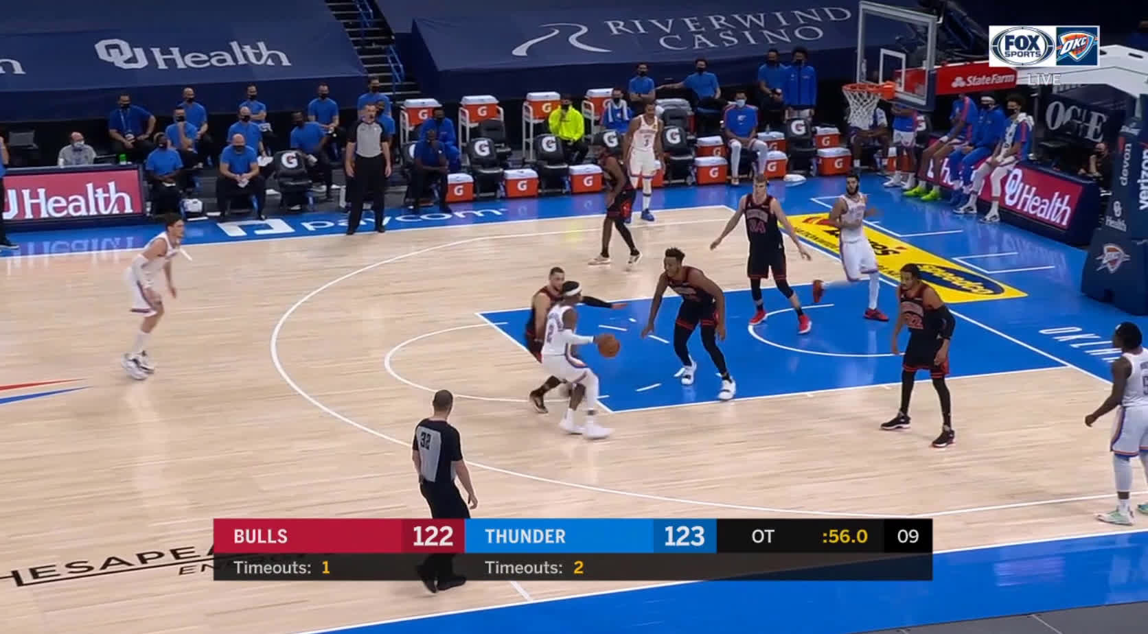 [Highlight] Mike Muscala hits the big 3 late in OT