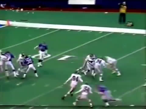 [Highlight] Eagles QB Randall Cunningham kicks a 91-yard punt, the longest in Eagles history and the fourth longest ever