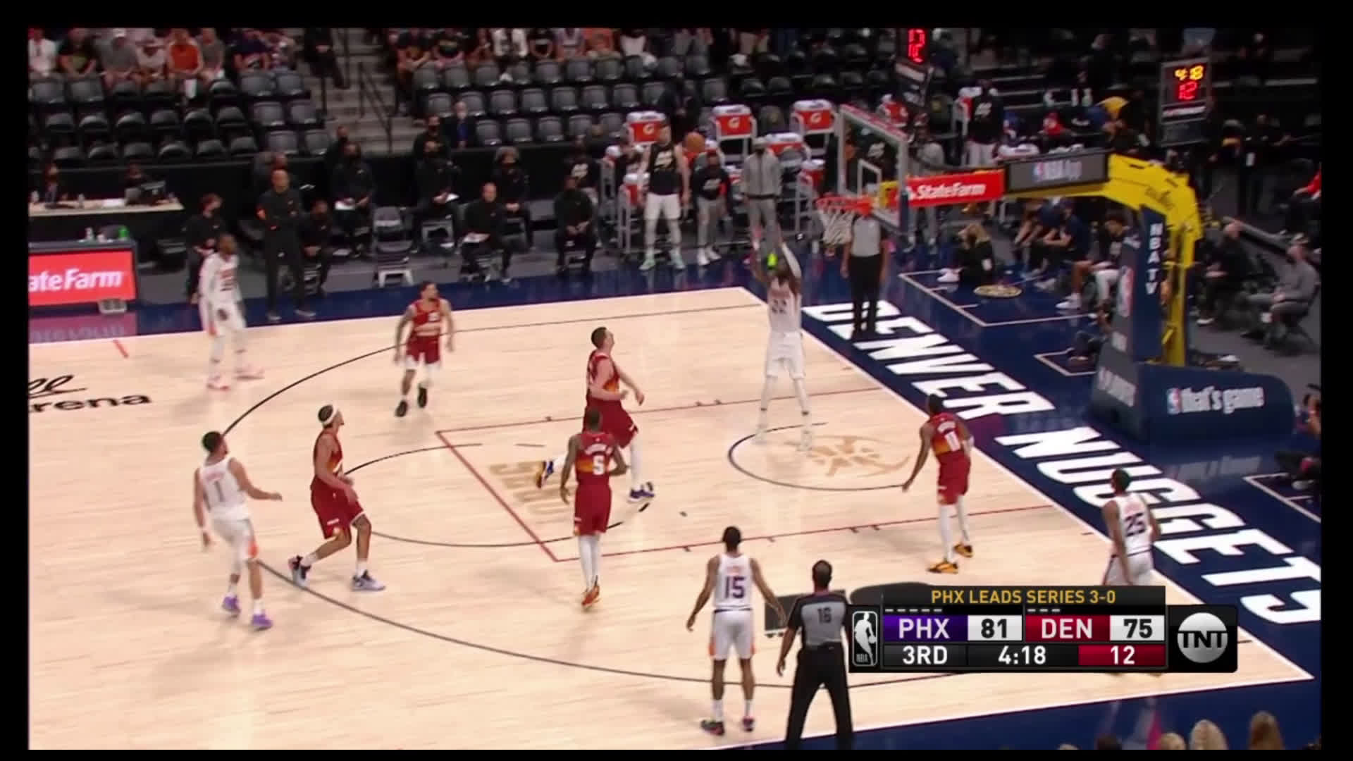 [Highlight] Booker with the smooth lob to Ayton who finishes the job