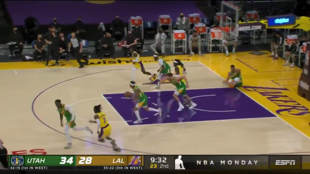 [Highlight] Montrezl goes up for a 2-handed slam over Gobert, it goes about as well as you would expect
