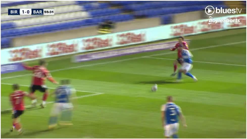 [EFL Championship] Birmingham City [1] - 0 Barnsley - Scott Hogan 56'