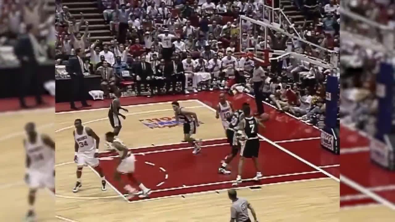 Hakeem Olajuwon destroys David Robinson in the 1995 playoffs
