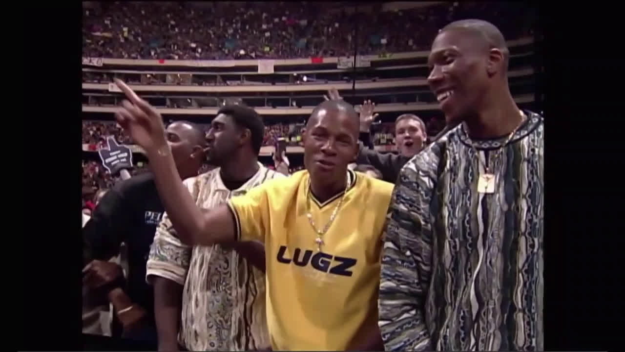 Even though the current Milwaukee Bucks like WWE. The 1999 Milwaukee Bucks with Ray Allen, Ray Traylor, and Glen Robinson went to a Raw at the Skydome in 1999.
