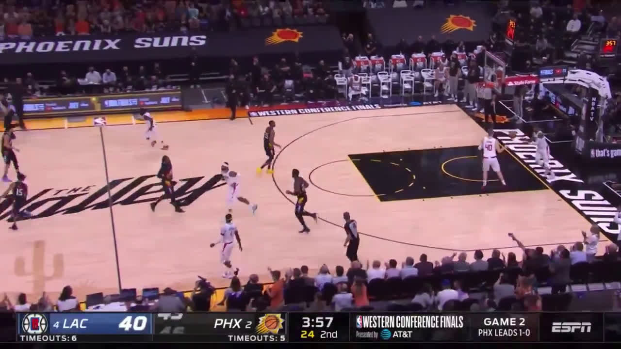 [Highlight] Cam Payne hits the three, spits, and the remains are stuck on his beard