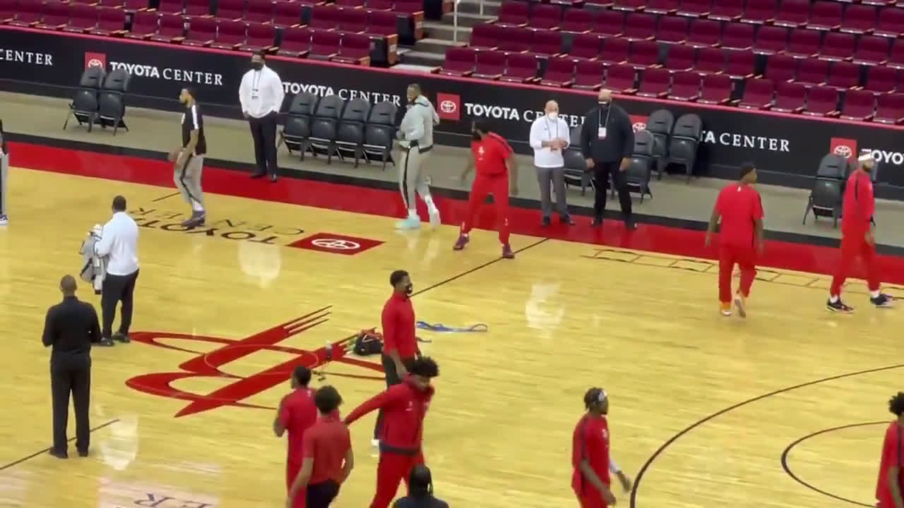 [Highlights] Lebron and Harden share a moment pre-game. Harden seems to have teased Lebron about something