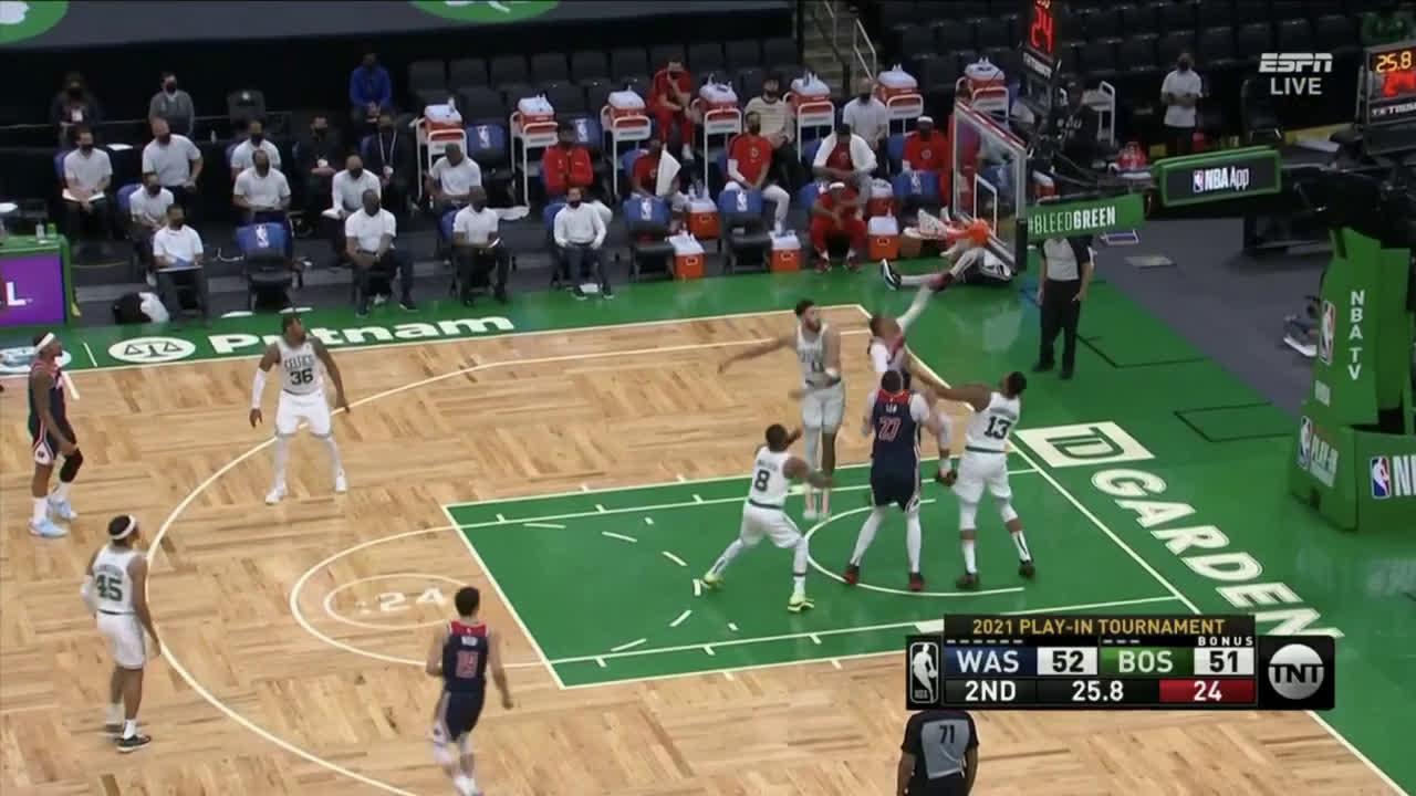 [Highlight] Westbrook hustles and hammers the putback jam