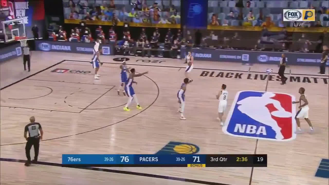 [Highlight] TJ Leaf dunks it on Embiid