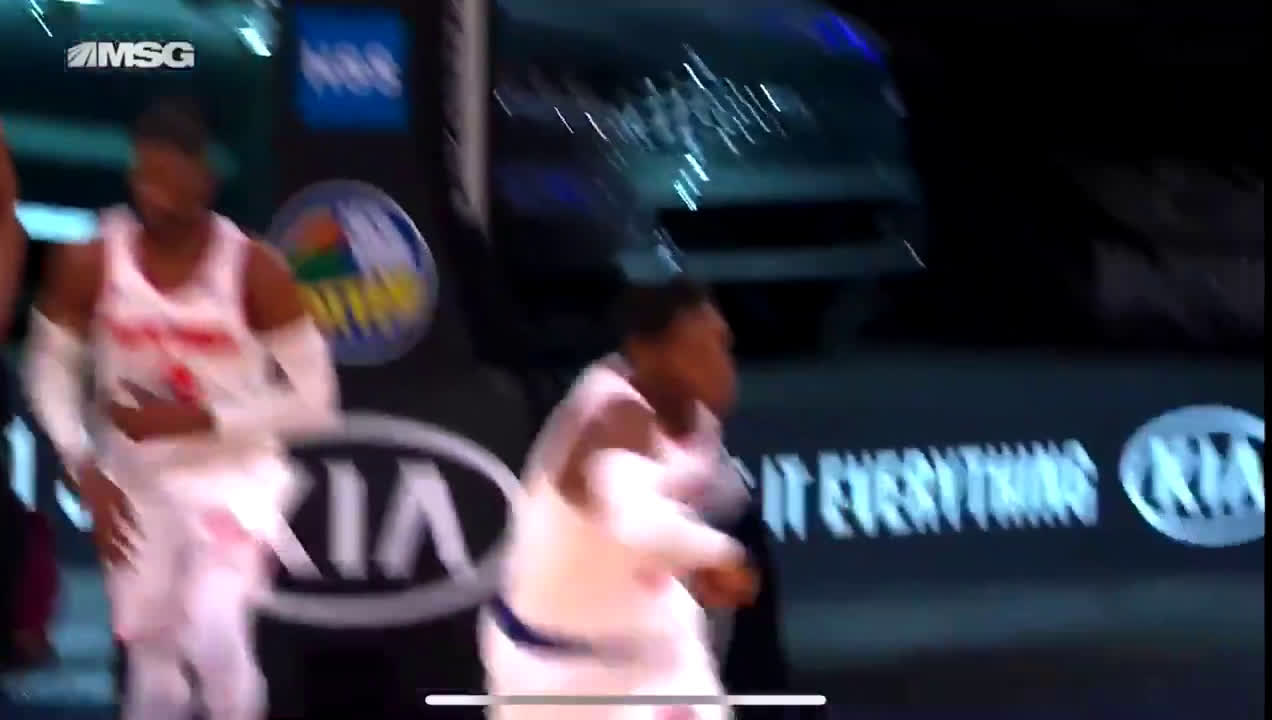 [Highlight] RJ Barrett gets MVP chants at the MSG as he takes over the game in the fourth quarter