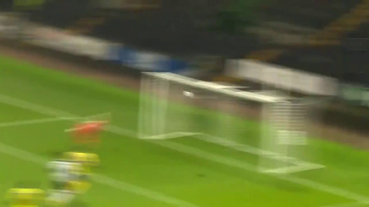 Amazing double save from Wealdstone FC goalkeeper Harvey Isted last night
