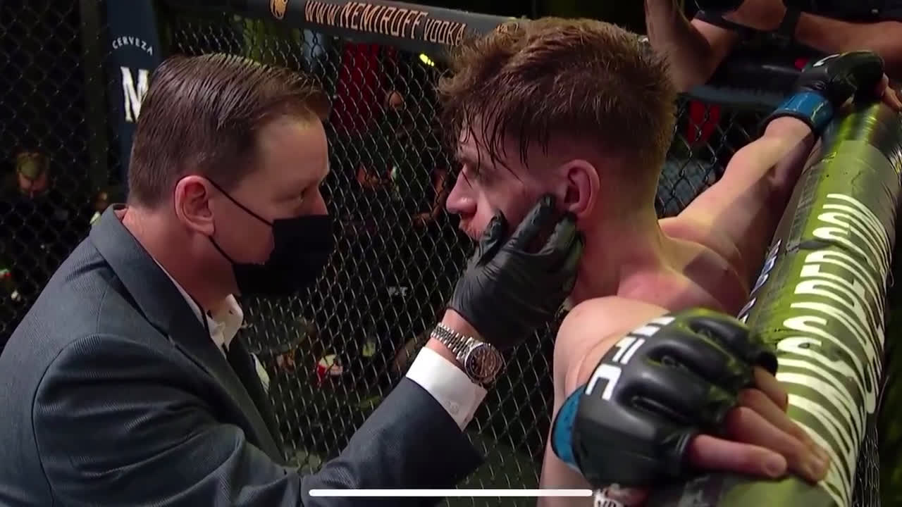 [Spoiler] Time out between rounds of Main Event