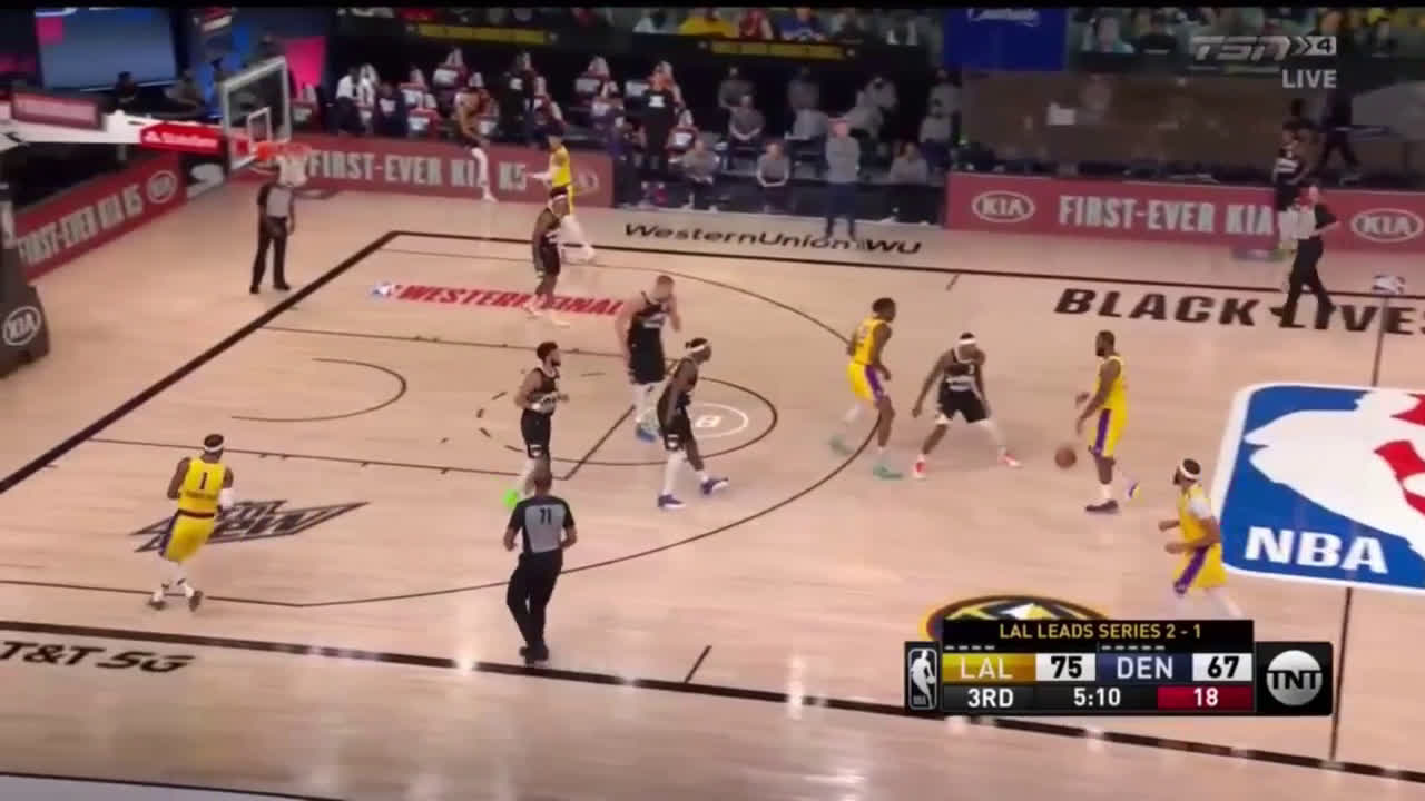 """[Highlight] Lakers bench countdown """"3! 2! 1!"""" to force Gary Harris into a bad shot when there is actually plenty of time left."""