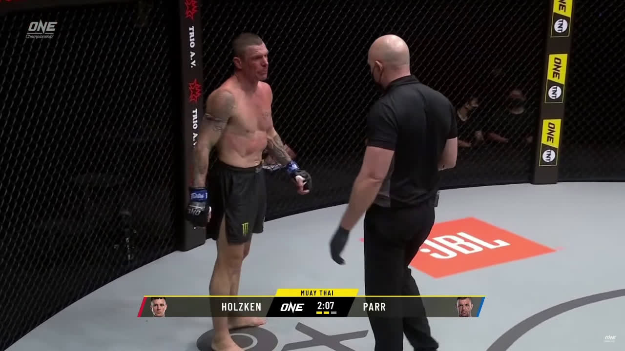 [SPOILER] ONE on TNT III John Wayne Parr vs Nieky Holzken [in 4oz gloves]
