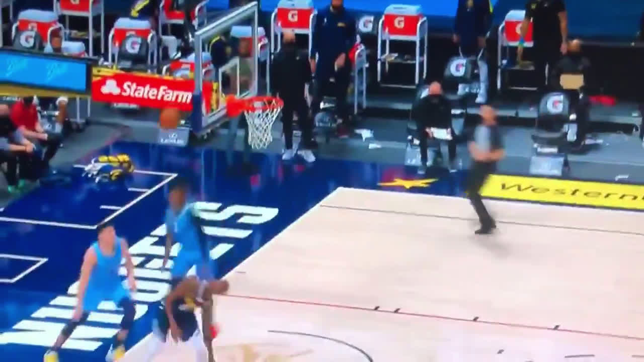 [Highlight] Ja Morant with the big two-handed chase down block against Barton
