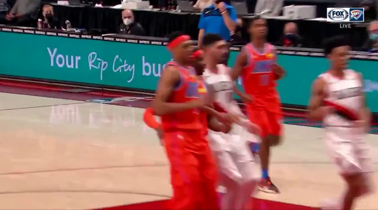 [Highlight] Gary Trent Jr with the worst flop of all time