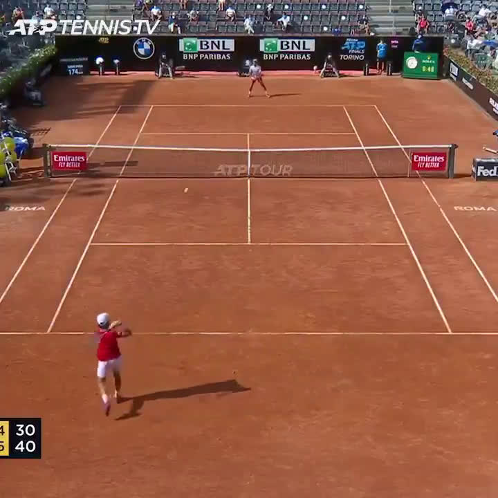 Djokovic saves set point with a clutch drop shot