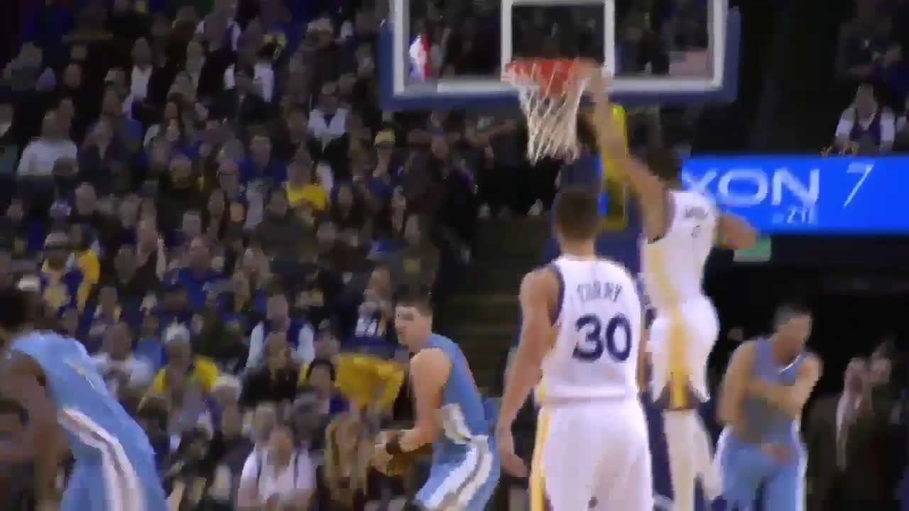 Jokic goes coast to coast on a fast break, sends dpoy Draymond Green for a hot dog, slices through the warriors defence like a cutting through butter, and finishes with no regard for human life, ending the move with a monster jam.