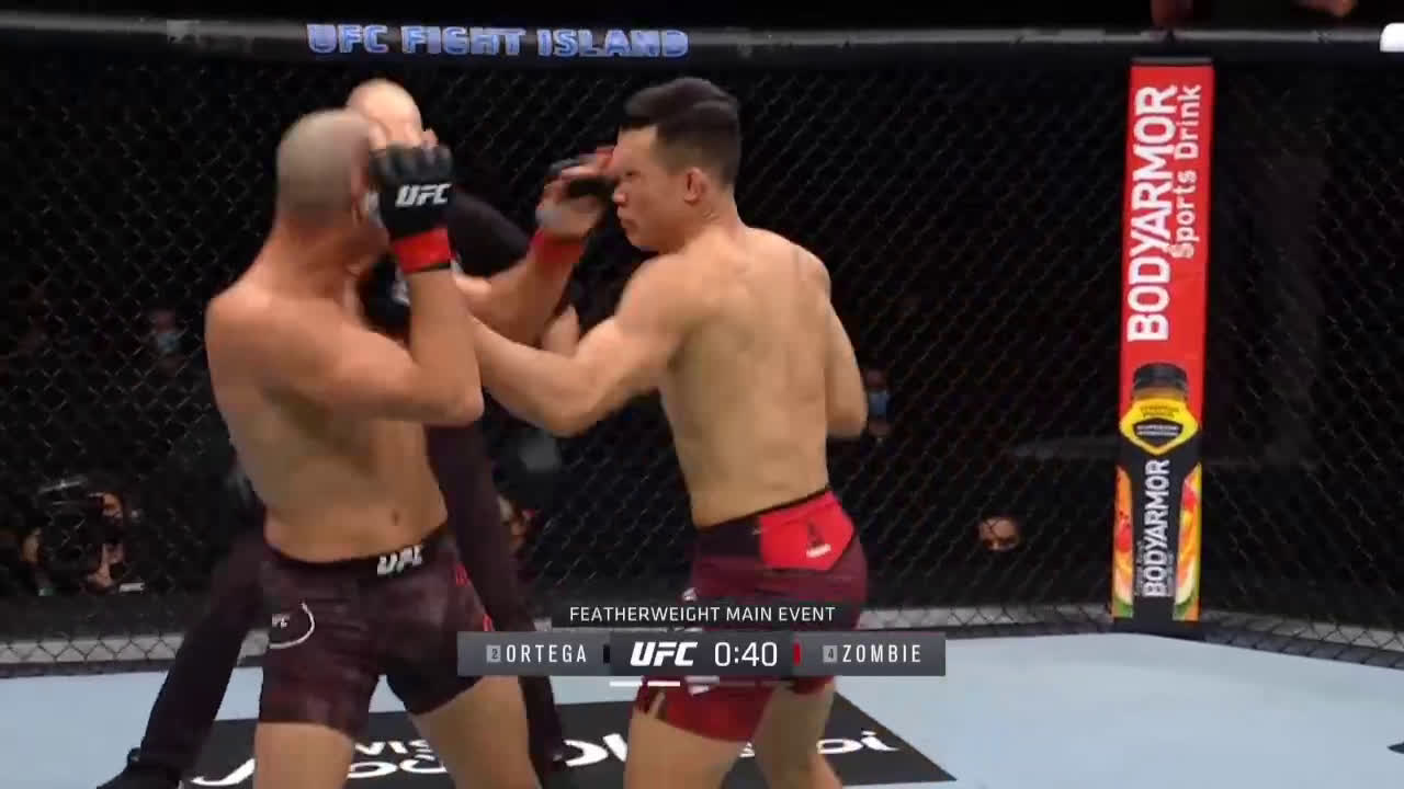 [SPOILER] Main Event fighter gets caught with a nice shot