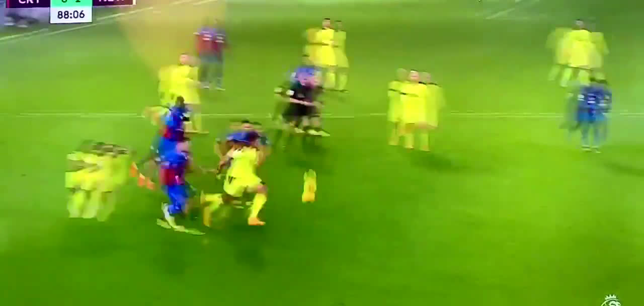 Link up play between Joelinton and Callum Wilson for Newcastle's first goal