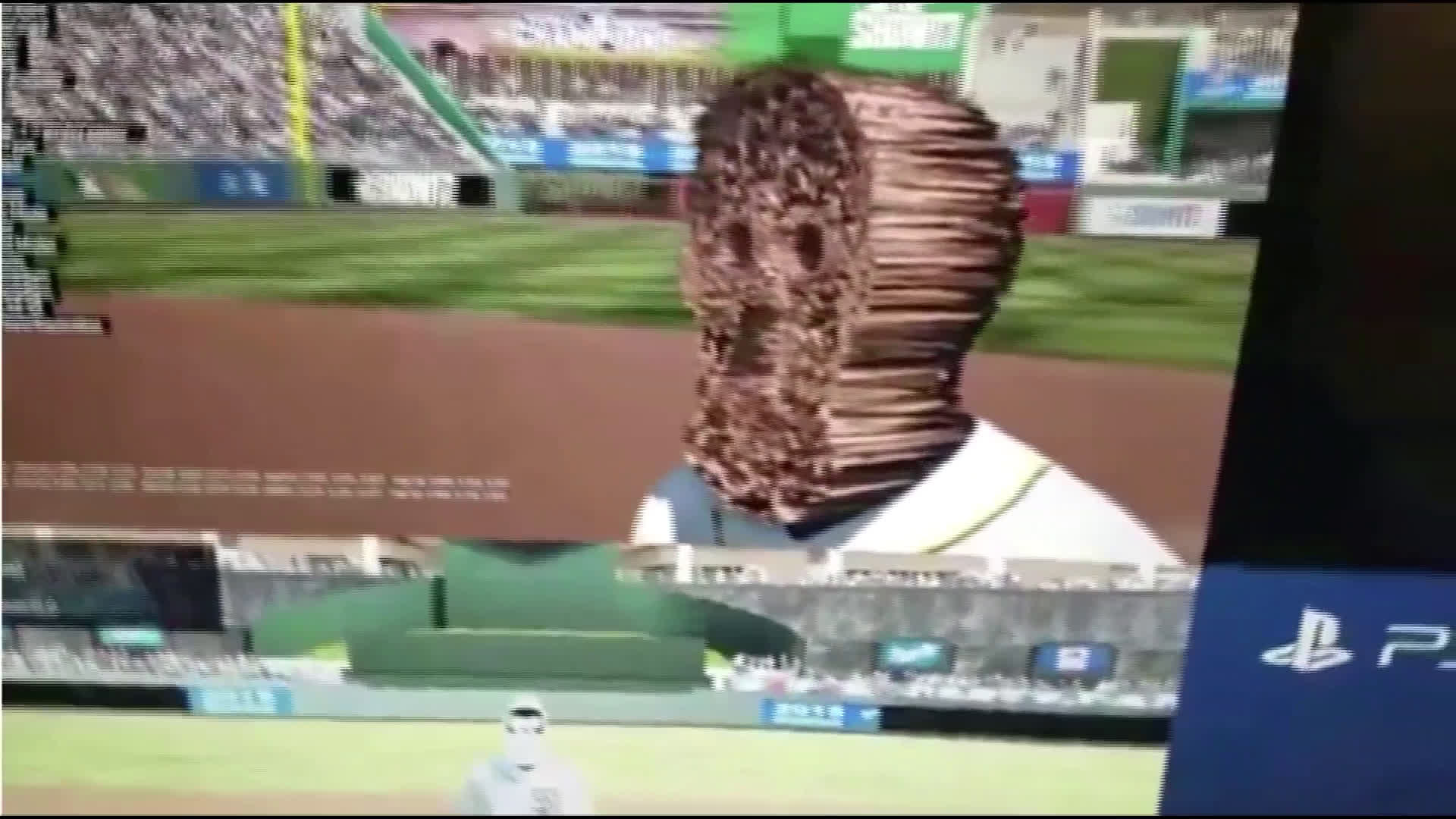 Mlb The Show 17 Glitch Turns Players Into Terrifying Creatures Thescore Com