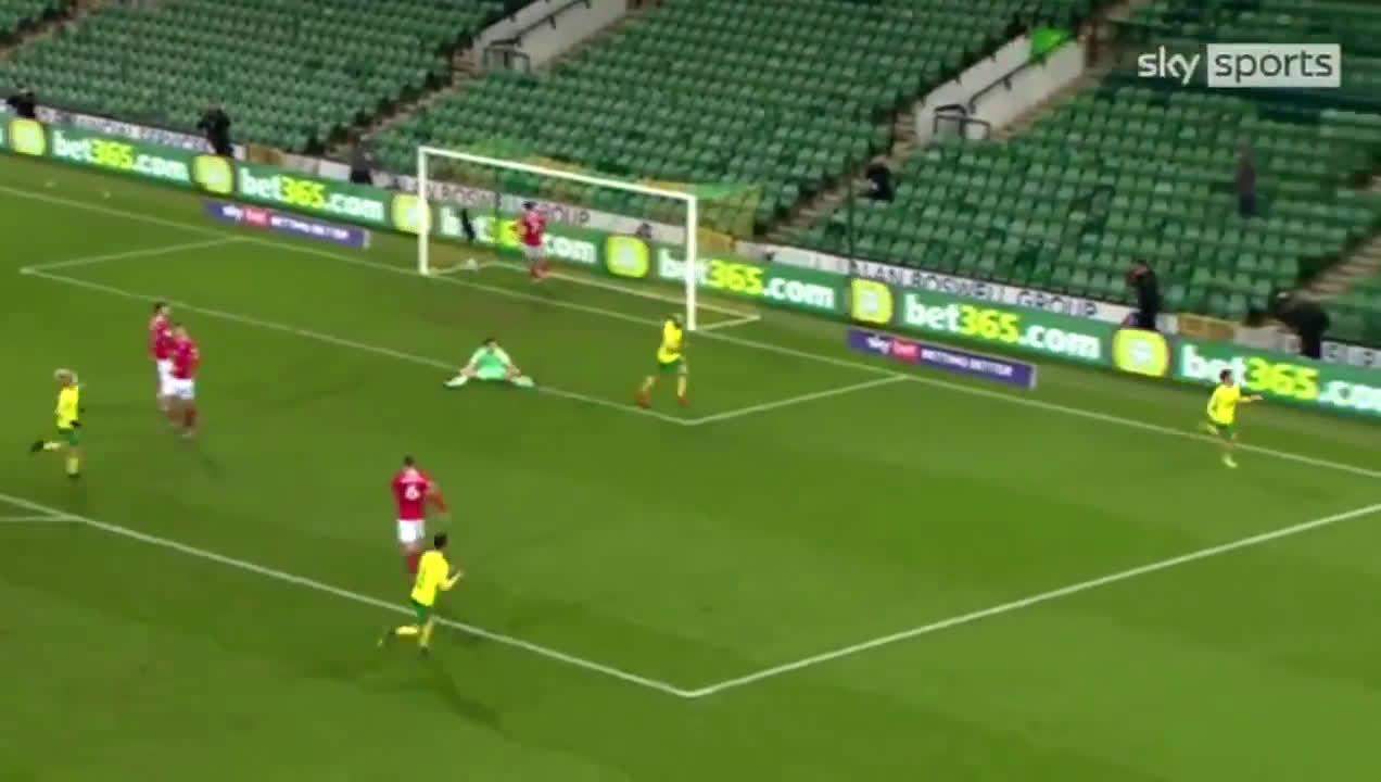Norwich City [1] - 0 Barnsley - Emi Buendía (Nice Goal/Assist) - 63'