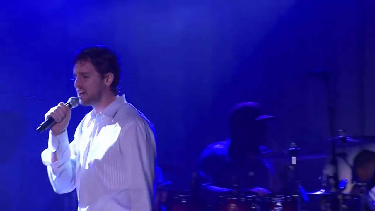 Pau Gasol performs