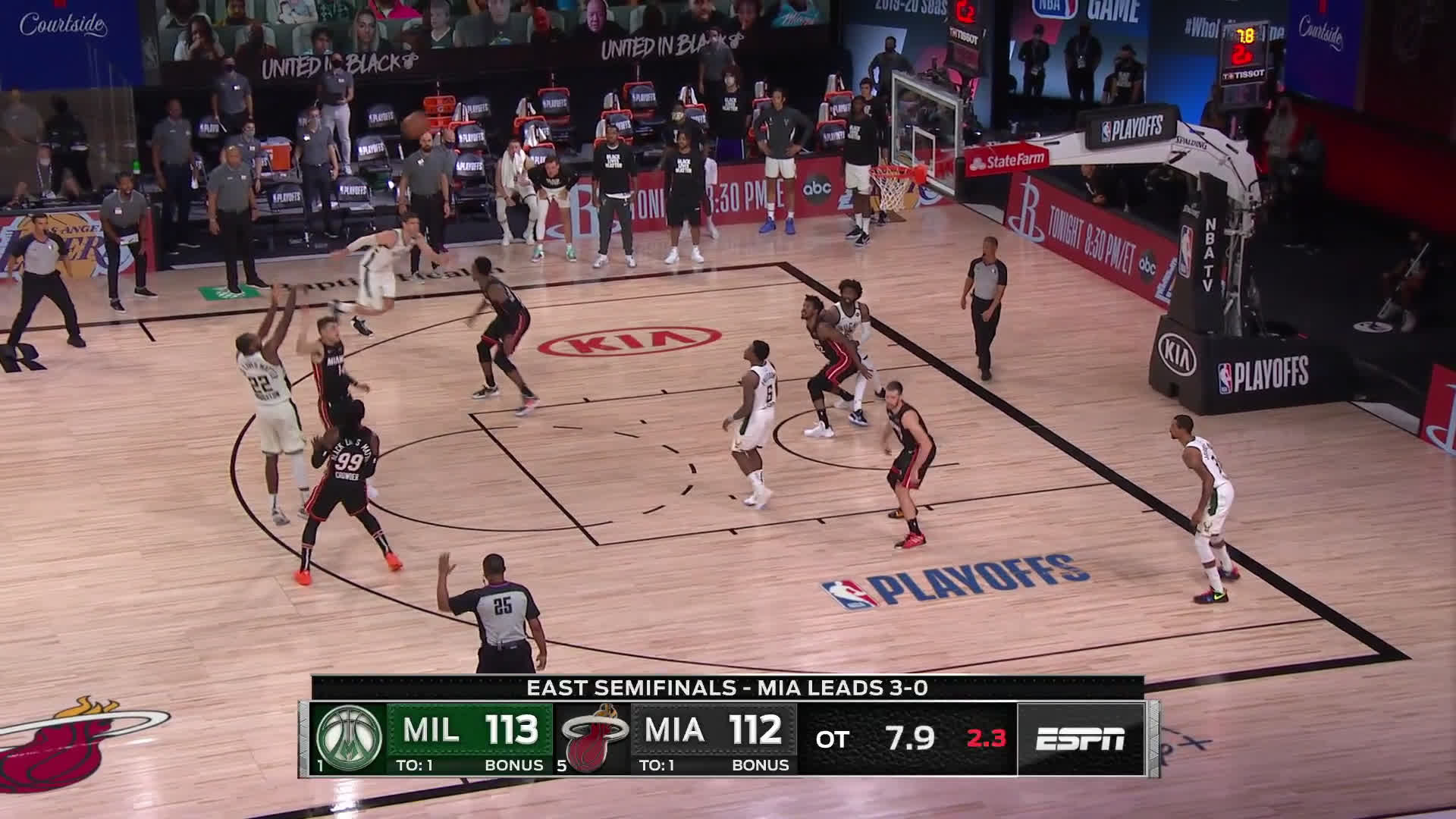 [Highlight] Middleton hits the dagger to give the Bucks a 4 point lead with 6.3 secs remaining