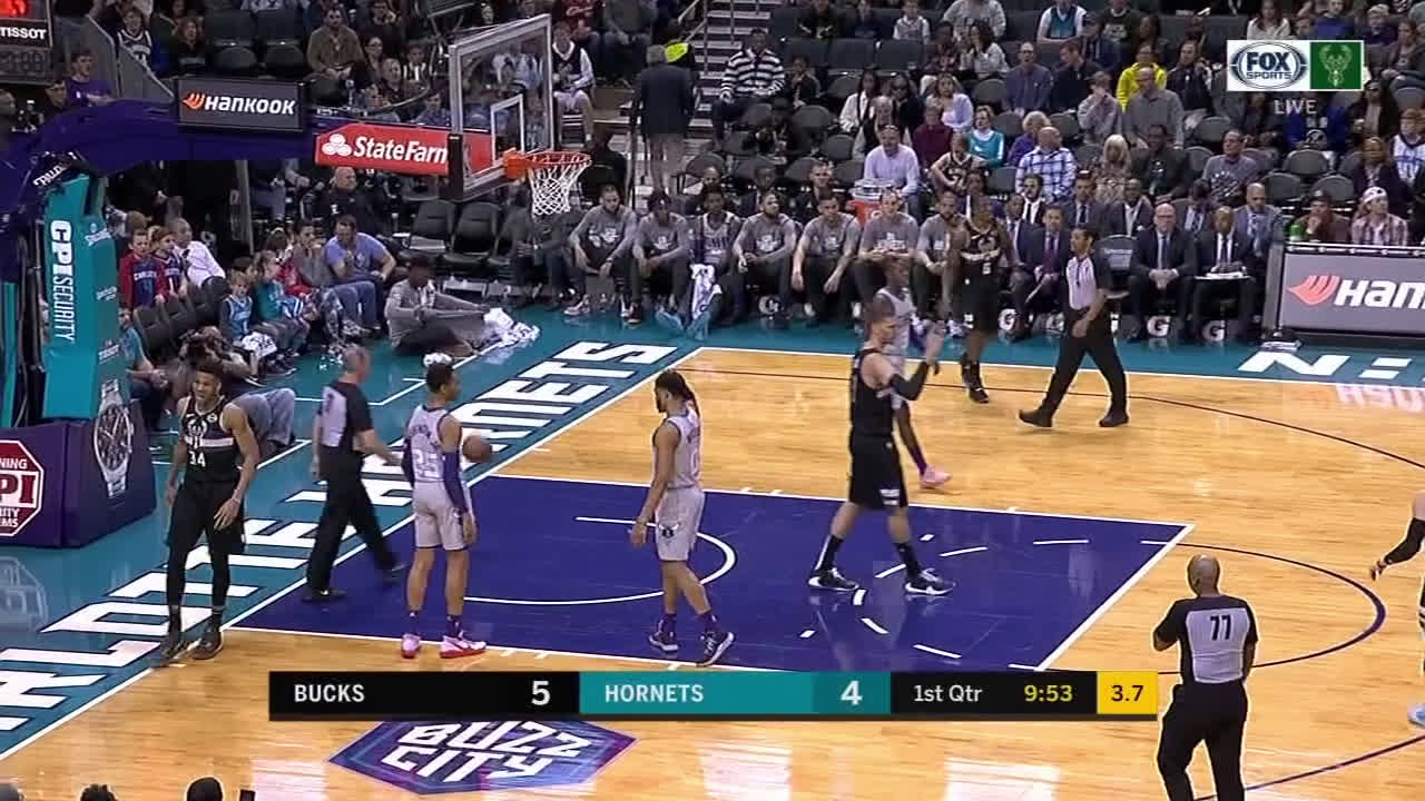 [Highlight] Giannis fakes out Biyombo with the up and under move for an And 1