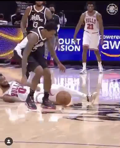 Lou Williams with a Kawhi-like steal