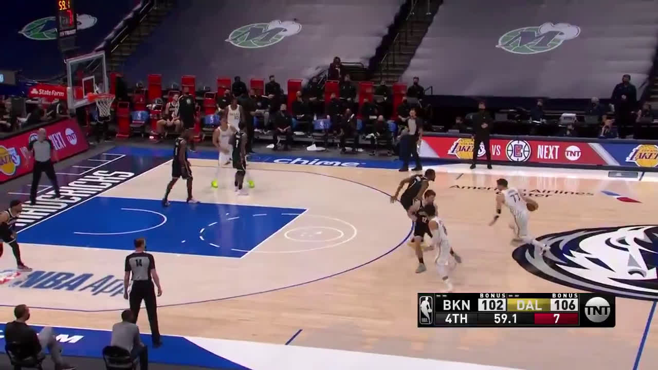 [Highlight] Marv Albert sounds like he's eating someone out while commentating at the same time