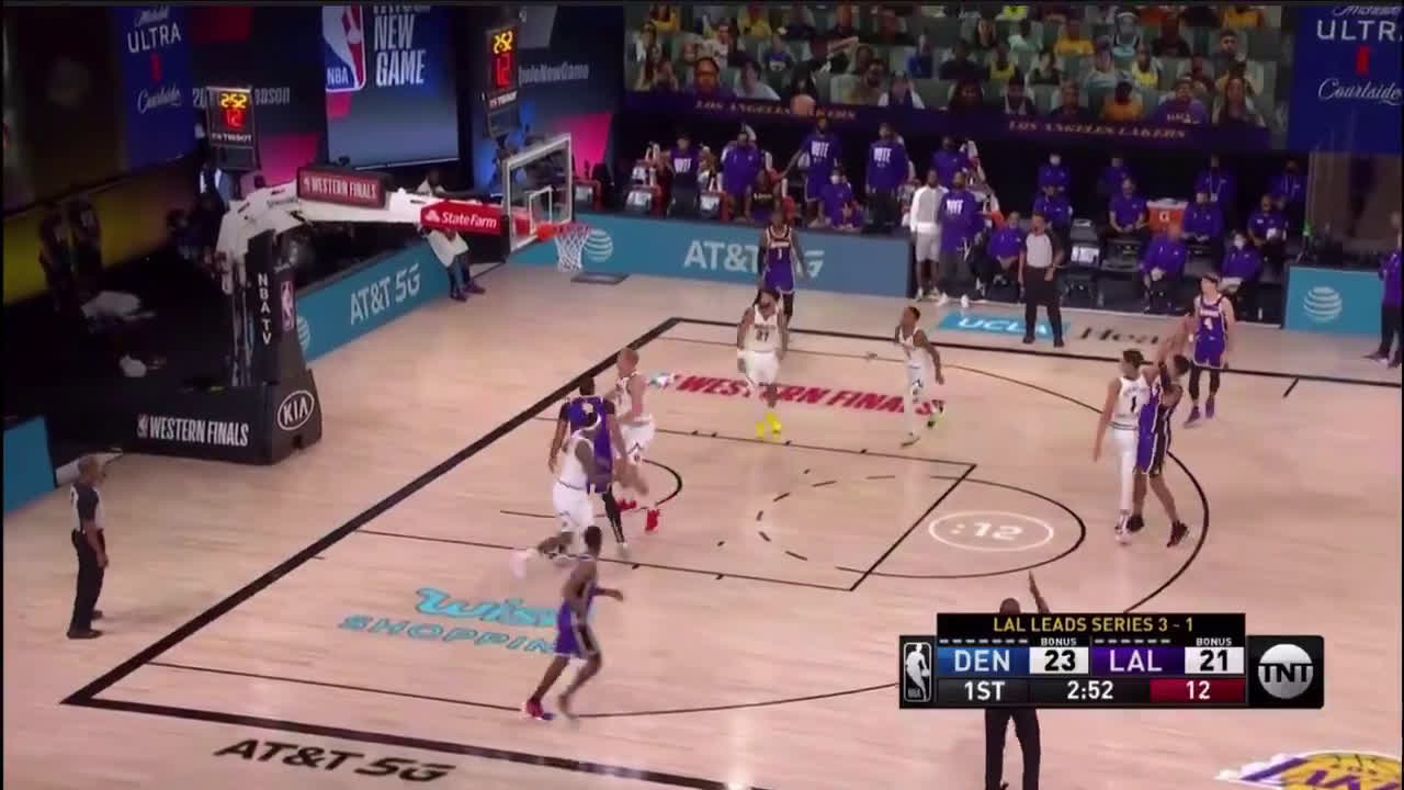 [Highlight] Kyle Kuzma hits nothing but net in his three point attempt
