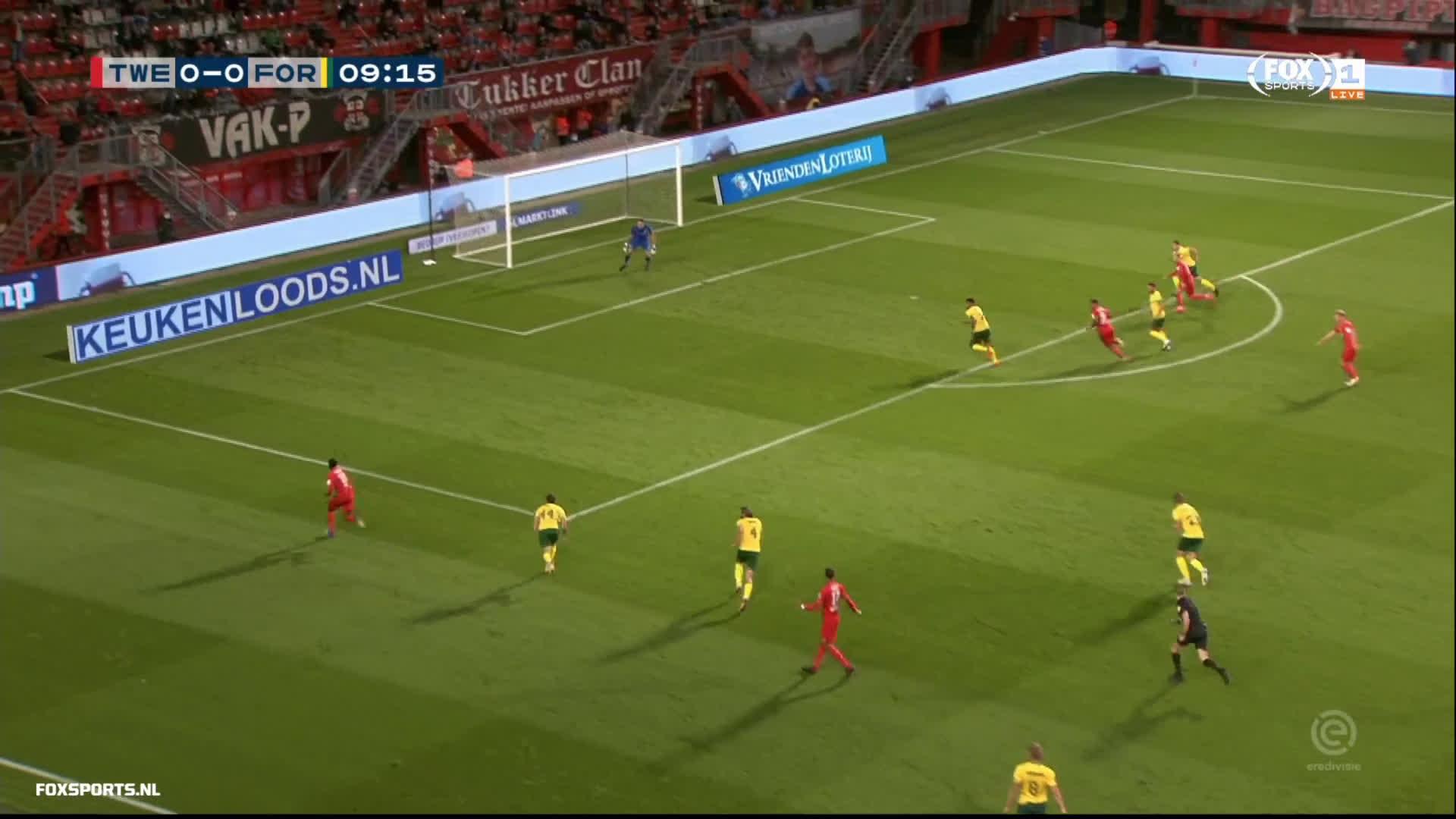 FC Twente [1]-0 Fortuna Sittard - Queensy Menig 10'