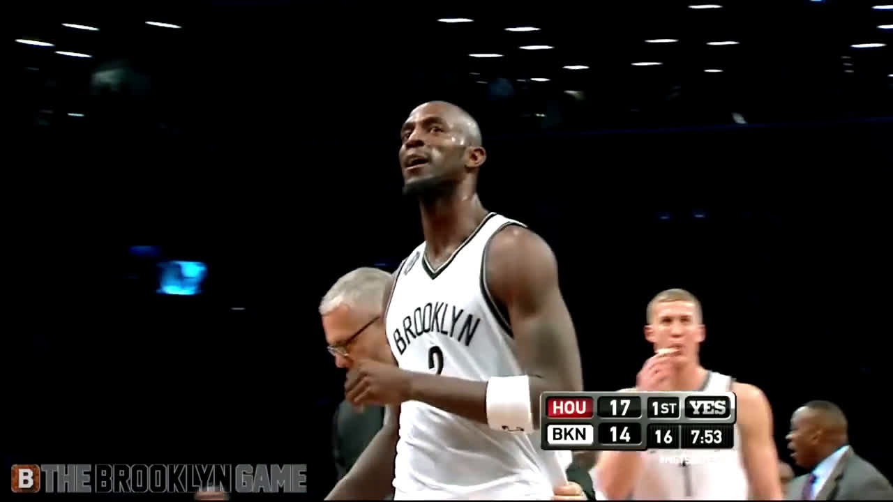 Kevin Garnett and Dwight Howard get into a scuffle