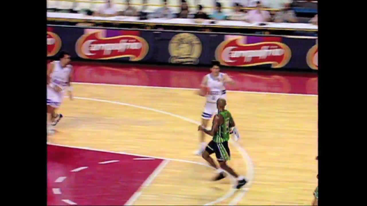 One of the craziest passes you will ever see