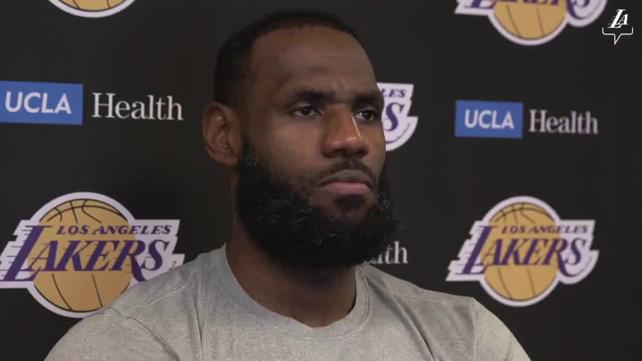 LeBron talks about pros and cons of empty gyms