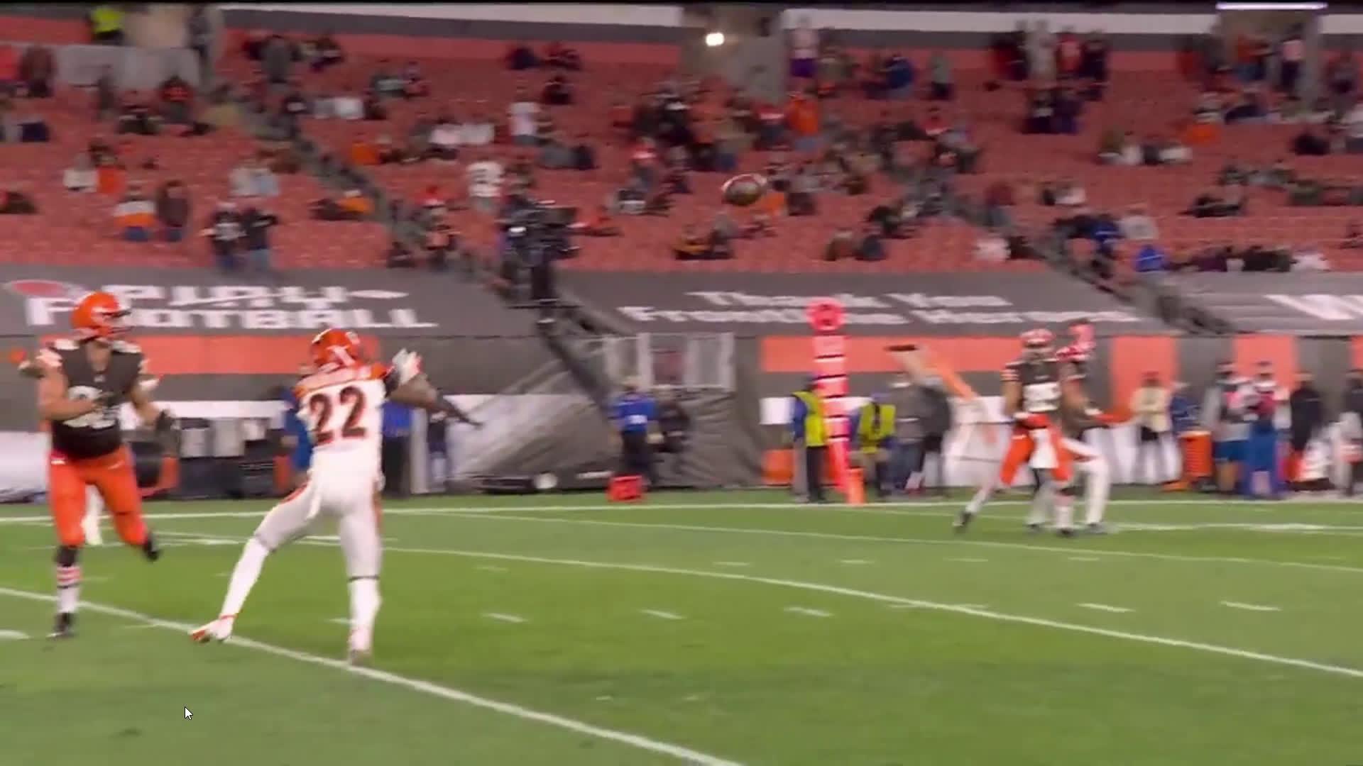 [Highlight] Jackson intercepts it