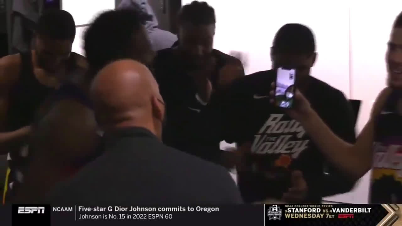 [Highlight] The Suns FaceTime CP3 after the big win