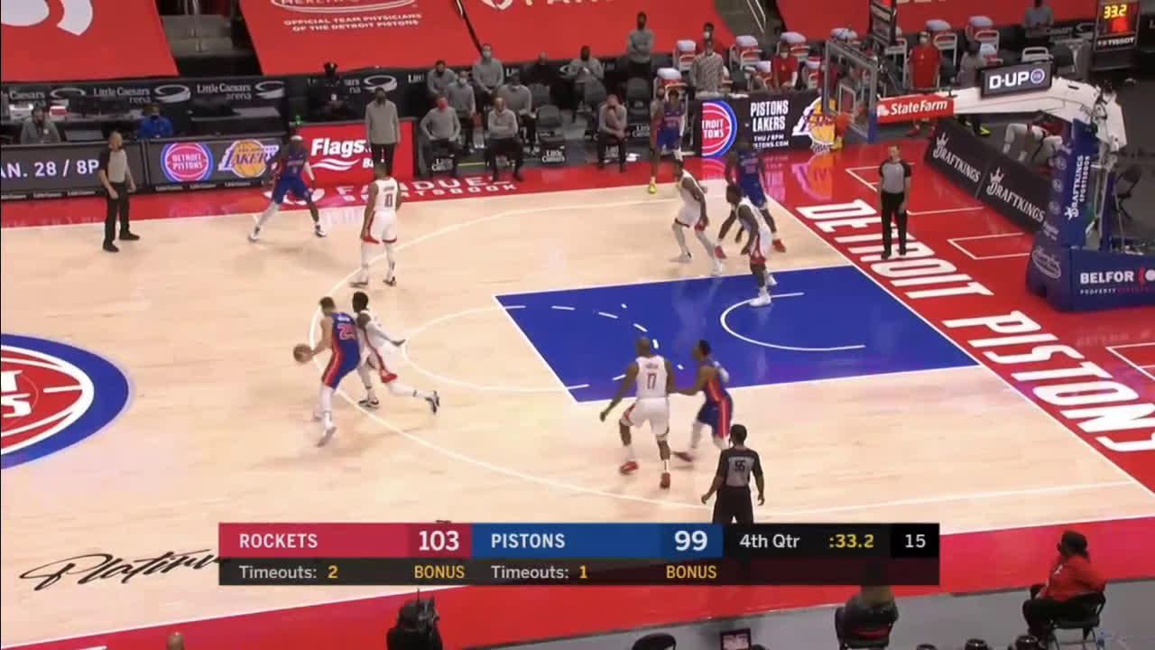 [Highlight] Griffin drills the clutch 3 to cut the Rockets lead to 1
