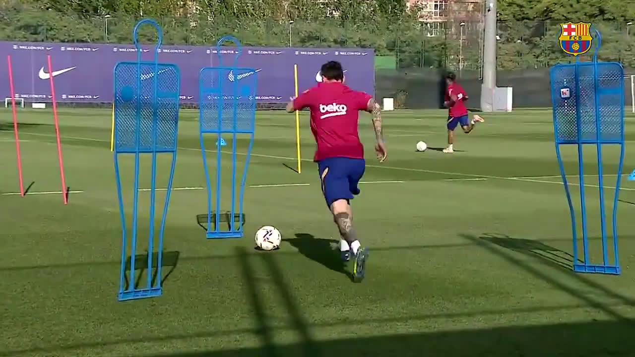 Messi se sumó a los entrenamientos con el plantel del Barcelona - Diario  Panorama Movil