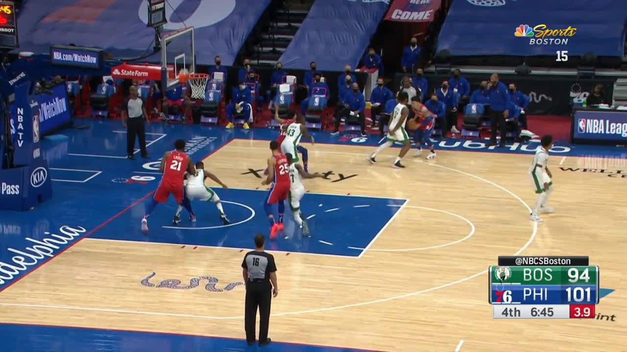 [Highlight] Semi Ojeleye displaying nice three point line defense
